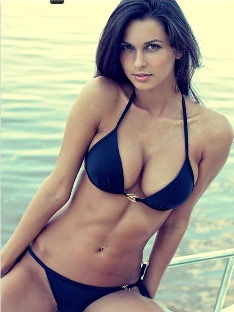 hot_bikini_girls_12