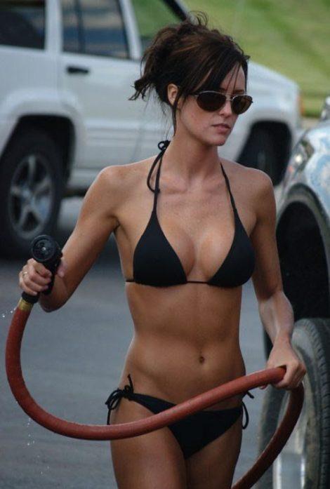 hot-girls-in-bikinis-54