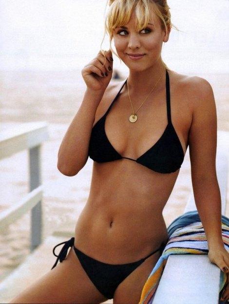 600_kaley-cuoco-in-bikini-15231
