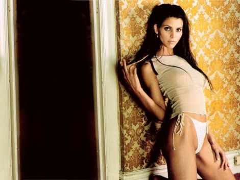 Charisma Carpenter bikini wallpaper 05