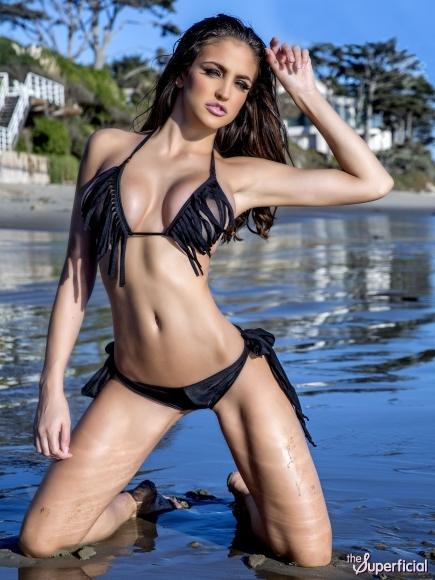 jaclyn-swedberg-bikini-138-water-1217-01-435x580