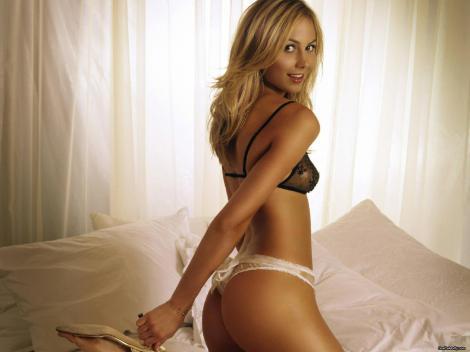 Stacy-Keibler-wwe-divas-3993493-1600-1200