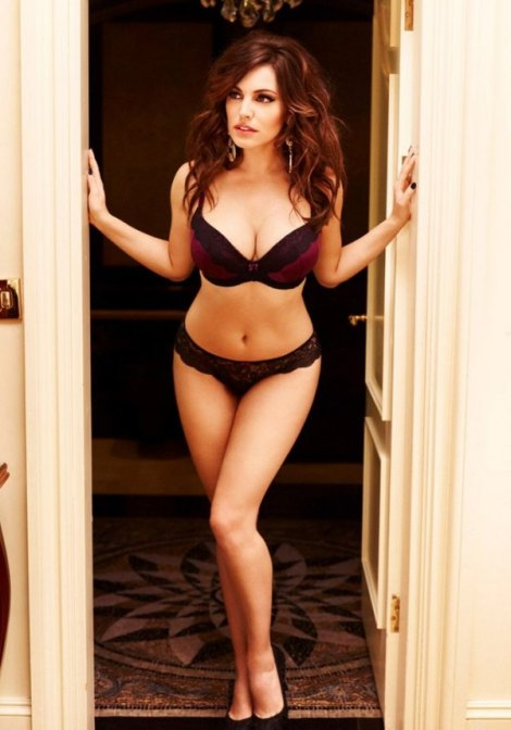 600_kelly-brook-29275