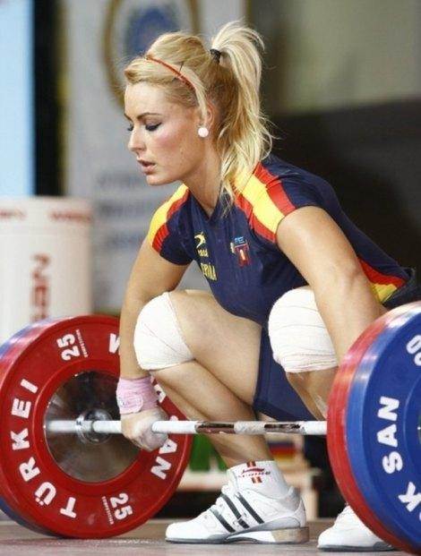 600_spanish-weightlifter-lidia-valen