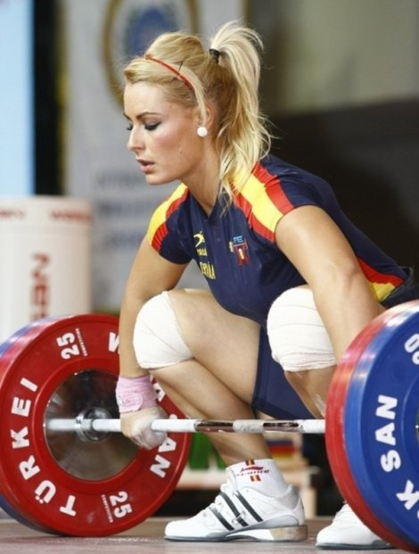 600_spanish-weightlifter-lidia-valen
