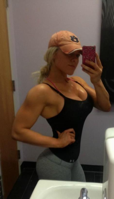 girls-workout-gym-sweaty-1