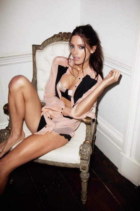600_ashley-greene-is-smokin-hot-3207