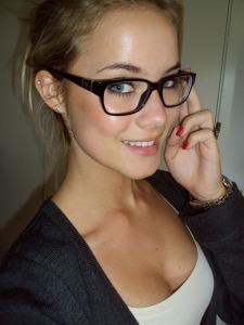Girls-in-glasses-3