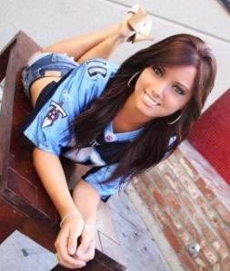 sexy-girls-in-football-jerseys-191